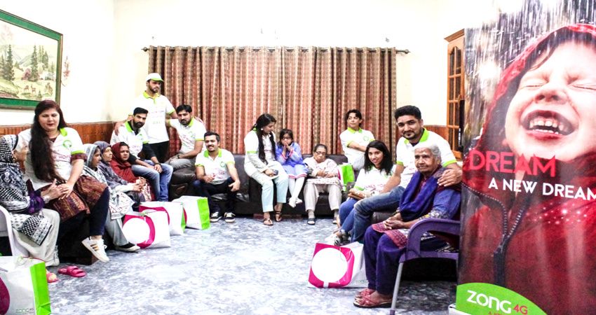 ZONG 4G Spends Time With The Senior Citizens Of Bint-e- Fatima Old Home